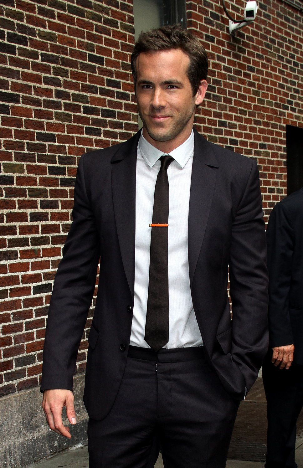Ryan Reynolds black suit white shirt black tie | Suit Up ...