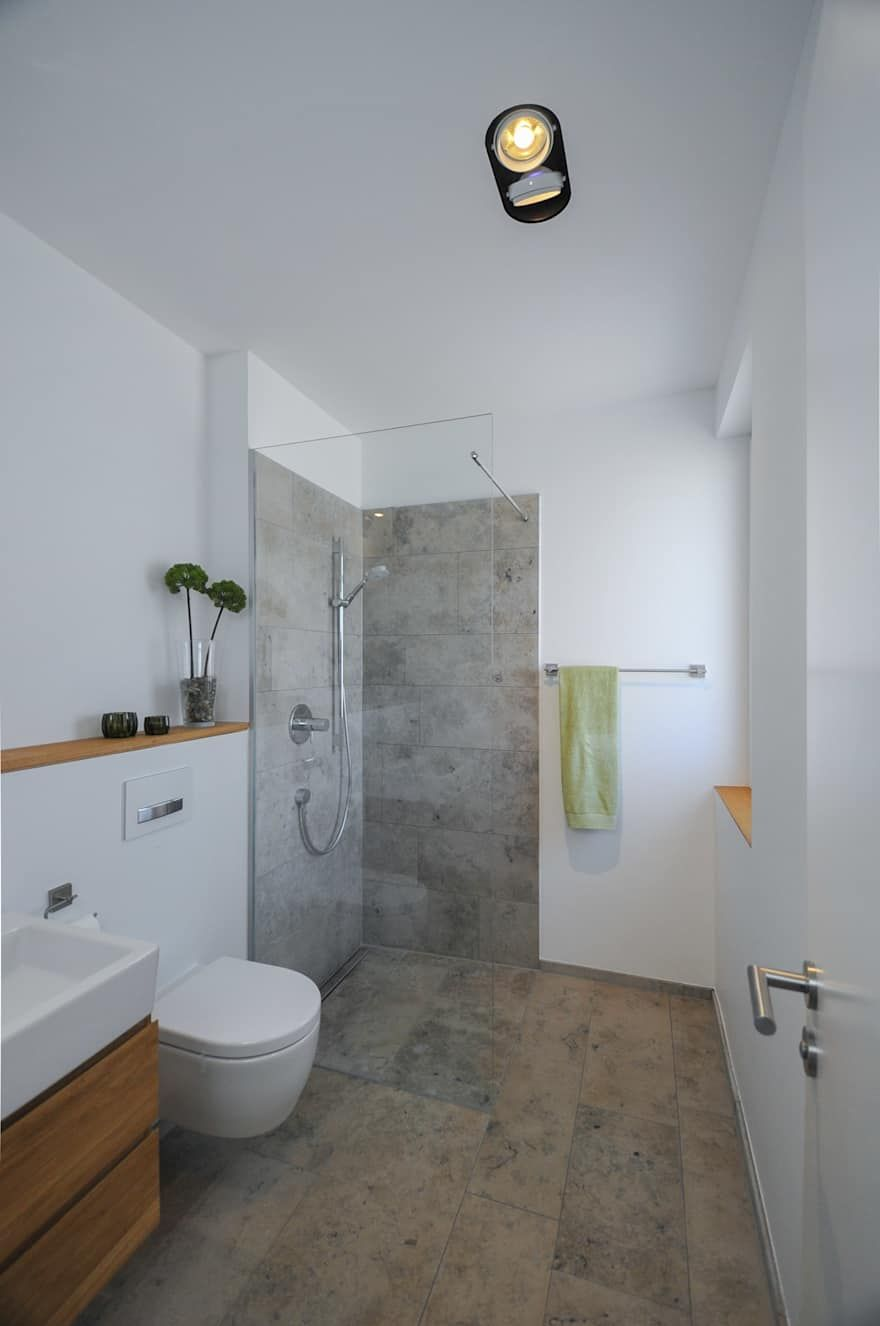 Badezimmer Ideen Design Und Bilder Homify Wc Mit Dusche Minimalistische Bader Badezimmer