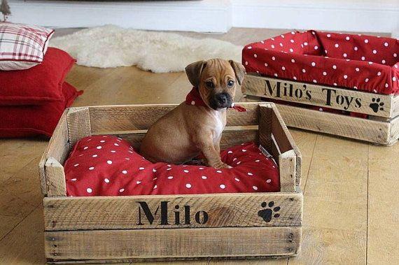 Pallet Dog Bed Wooden Dog Bed Pallet Cat Bed Reclaimed Etsy Dog Beds For Small Dogs Pallet Dog Beds Dog House Diy