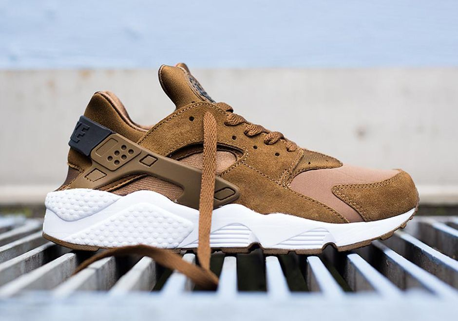 quality design 1026f ba2e3 A Closer Look at Two Nike Air Huarache Releases for Black ...