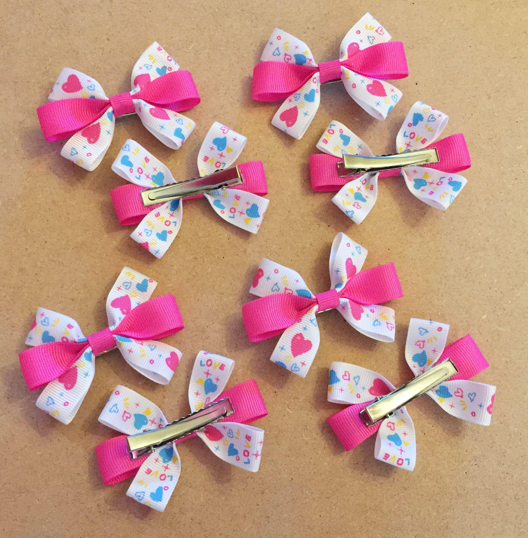 "4/"" Handmade Red Hearts Grosgrain Ribbon Hair Bow Clip or Bobble."