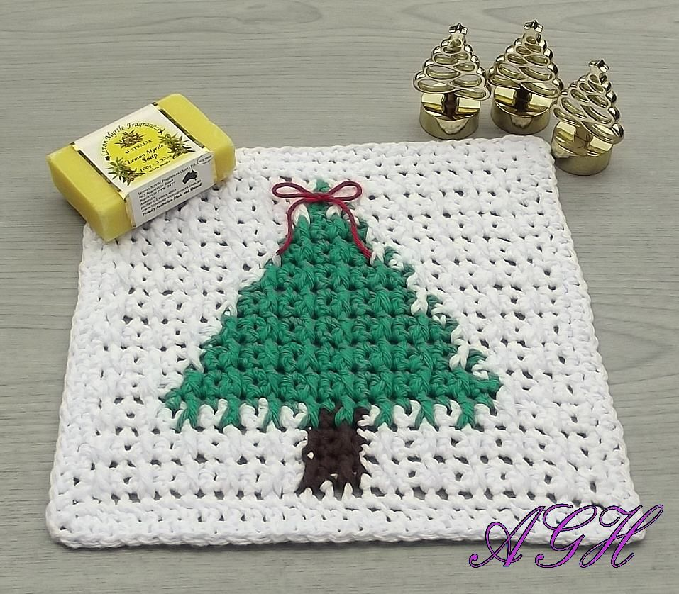 The christmas tree wash cloth pattern from ag hand mades crochet explore cloth patterns tree patterns and more bankloansurffo Choice Image
