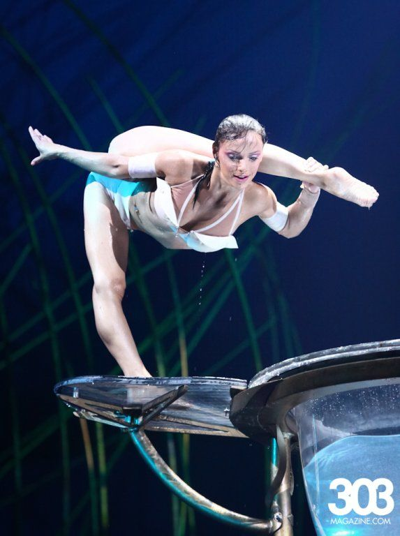 Cirque Du Soleil S Amaluna I Loved This Show And I Love Cirque Du Soleil I Want To Be In It Soo Bad Training Cirque Du Soleil Dark Circus Performance Art