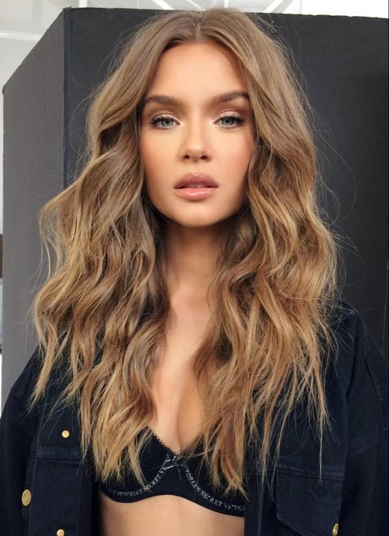 Photo of Красота | Макияж | Длинные волосы | Каштановые волосы | Кудри | Вьющиеся волосы | Черный бюст…