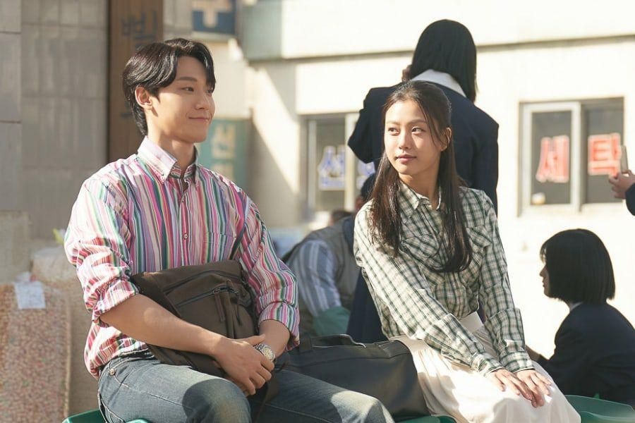 """Lee Do Hyun Can't Hide His Nervousness On 1st Date With Go Min Si In """"Youth Of May"""""""