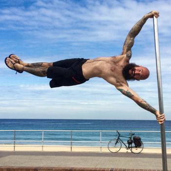 Human Flag Tutorial 5 Steps To Achieve The Human Flag Gmb Fitness Human Flag Lower Body Workout Street Workout