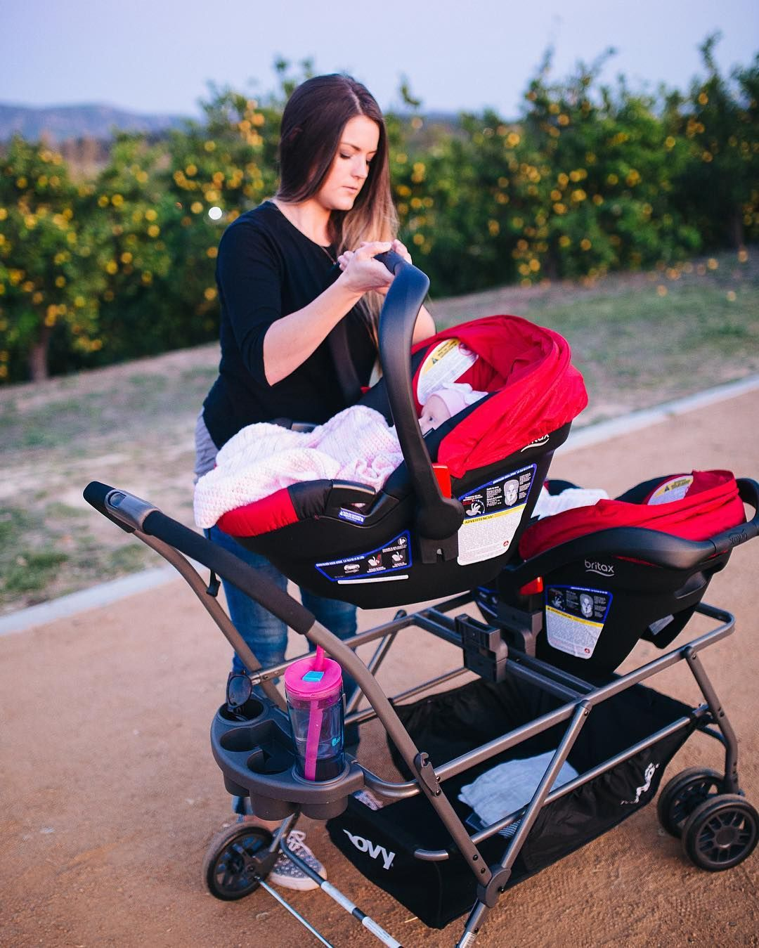 The Twinroo Is Compatible With Graco Snugride Click Connect 35 40 Britax B Safe Bob B Safe And Uppababy Mesa Infant In 2020 Baby Car Seats Baby Strollers Uppababy