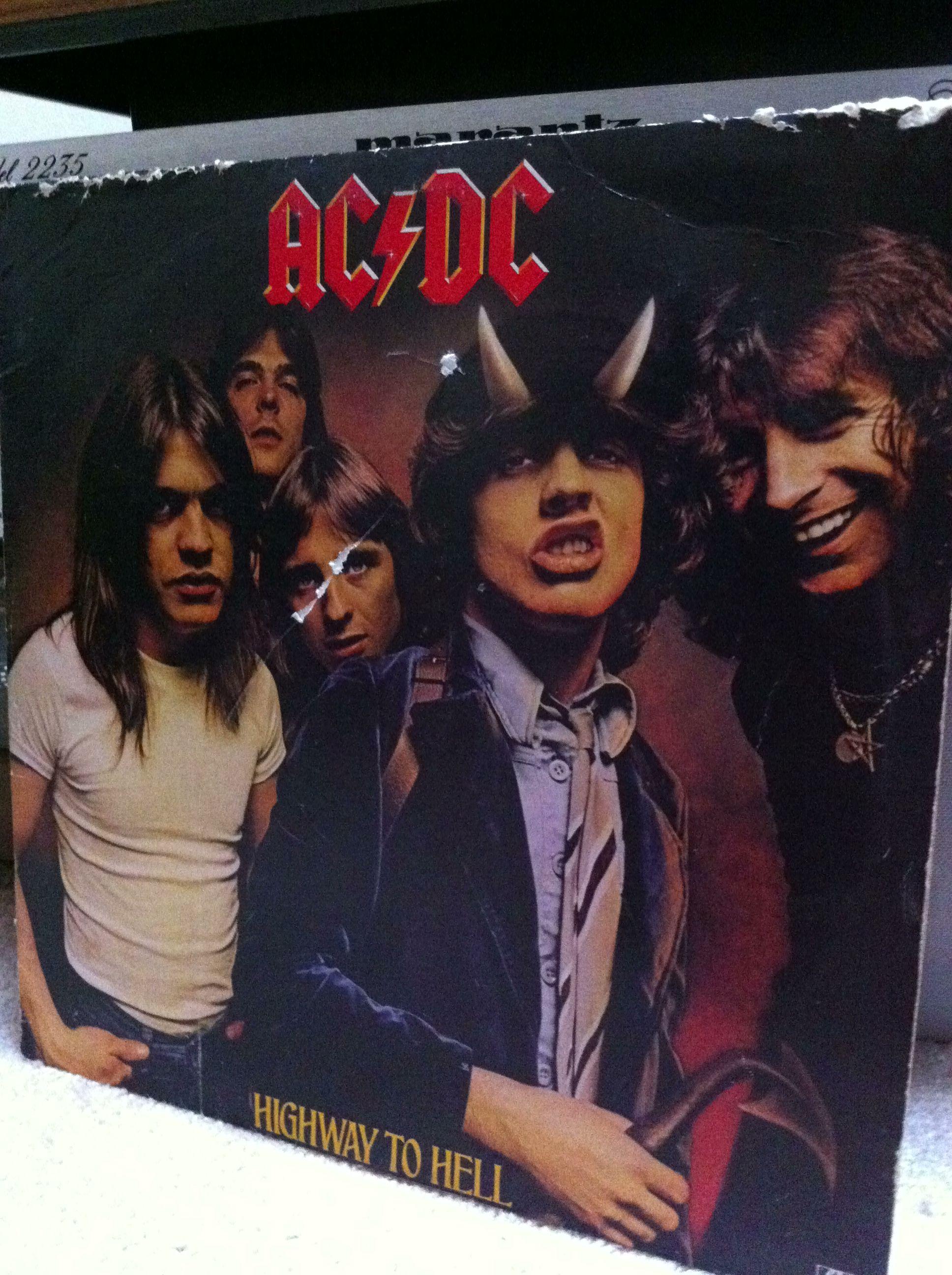 Snake Oil Recording's Morning Listening - AC/DC - Highway To Hell   #rva #rvamusic #recording #vinyl #studio #audio #records #acdc #rock #metal #classic   Http://www.snakeoilrecording.com