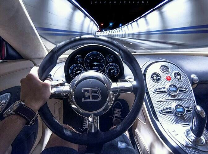 bugatti veyron interior house on the hill pinterest bugatti veyron interior interiors and. Black Bedroom Furniture Sets. Home Design Ideas