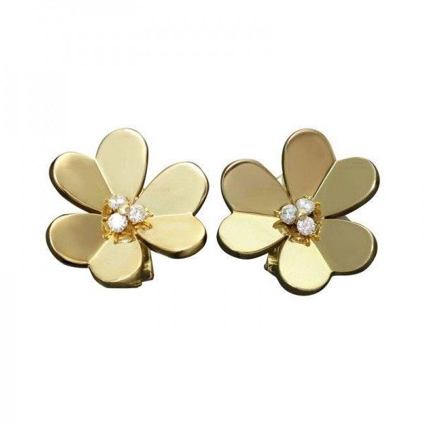 Pre-owned Van Cleef & Arpels Frivole Diamond 18k Yellow Gold Earrings (388,625 INR) ❤ liked on Polyvore featuring jewelry, earrings, round earrings, floral earrings, 18 karat gold earrings, gold jewellery and 18k gold earrings