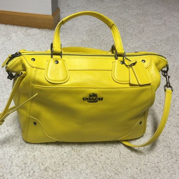 Authentic Coach Bag A Very True Yellow Leather With Lots Of Room Can Be