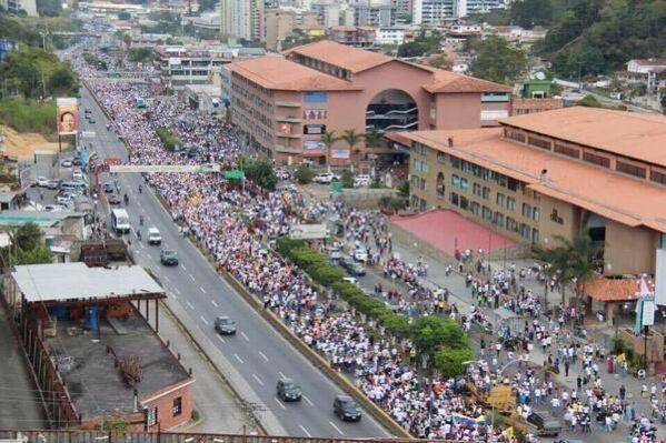 San Antonio De Los Altos Massive Protest Againts Maduro March 2014 Los Altos House Styles San Antonio