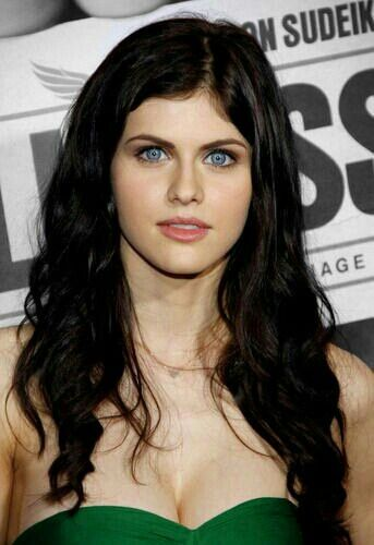 Image Result For Male Actor With Black Hair And Blue Eyes Black Hair Boy Black Hair Blue Eyes Black Hair Green Eyes