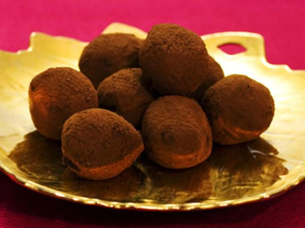 chokladtryffel med lakritspulver