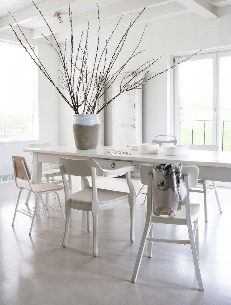 Grote Witte Eettafel.Witte Eethoek Combineer Verschillende Tinten Eethoek