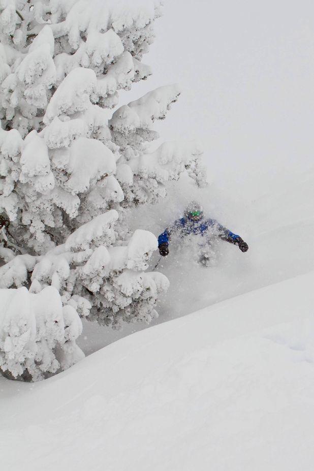 Era Escòla es la Escuela de Esquí del Valle de Arán. Impartimos clases de esquí alpino, snowboard, esquí nórdico, telemark