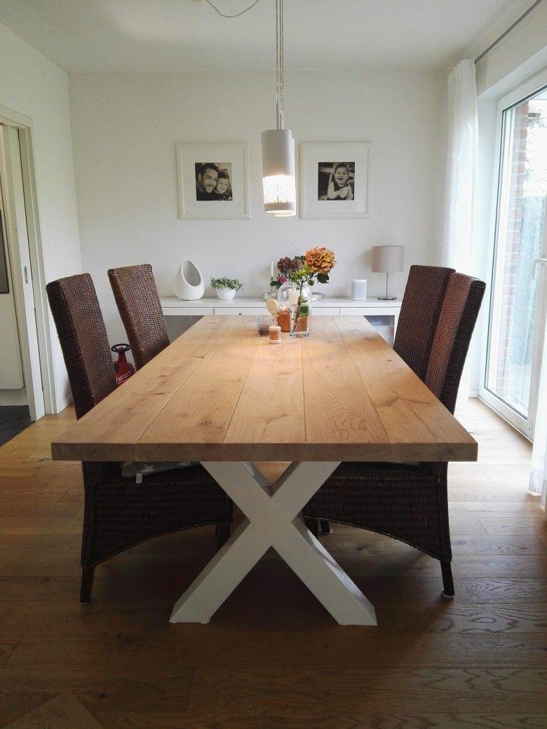 Eichetisch mit weißen xBeinen (mit Bildern) Tisch
