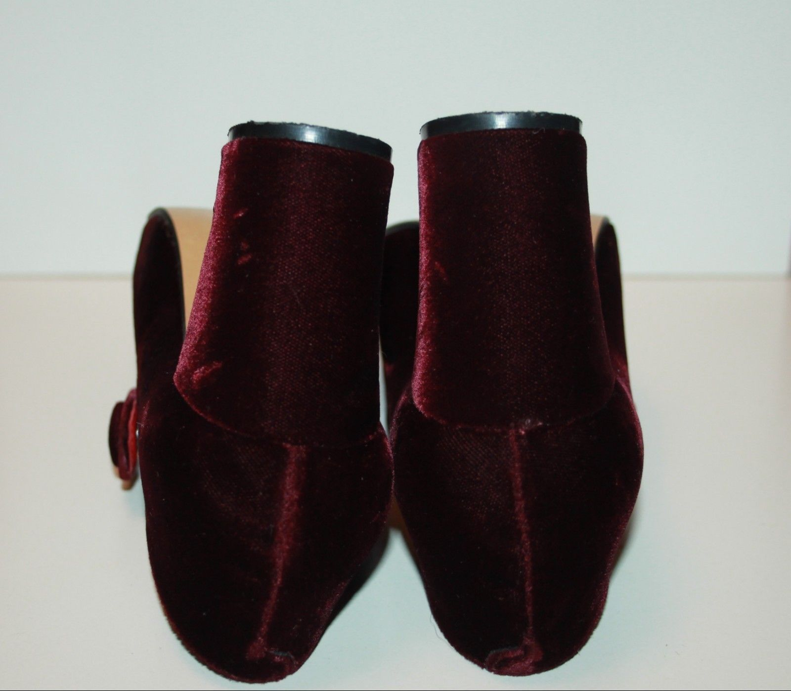 c88c889a02 Bella Ricco Ladies Burgundy Vintage Velour Velvet Mary Jane Shoes UK 5   38