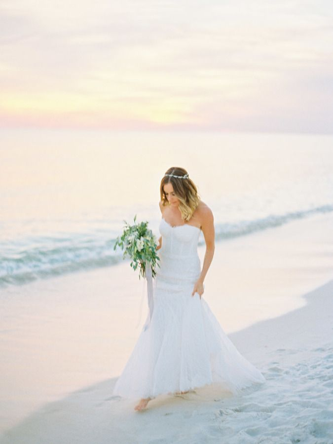 beach wedding dress | fabmood.com