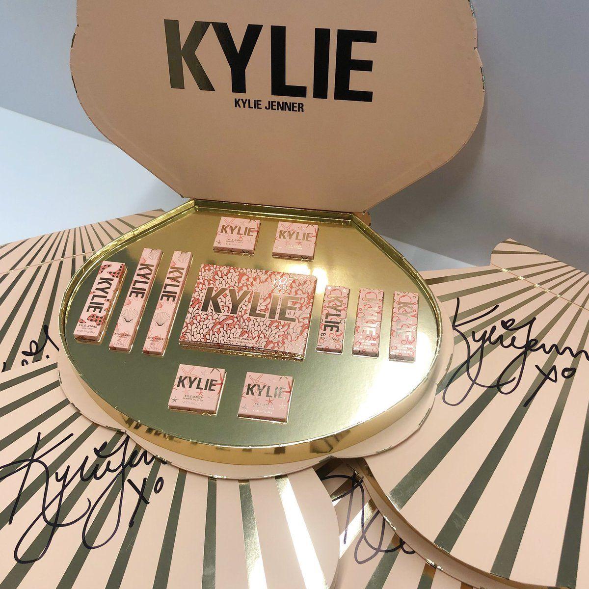 Kylie Cosmetics Pr Box Kylie Cosmetics Kylie Jenner Makeup Kylie Makeup