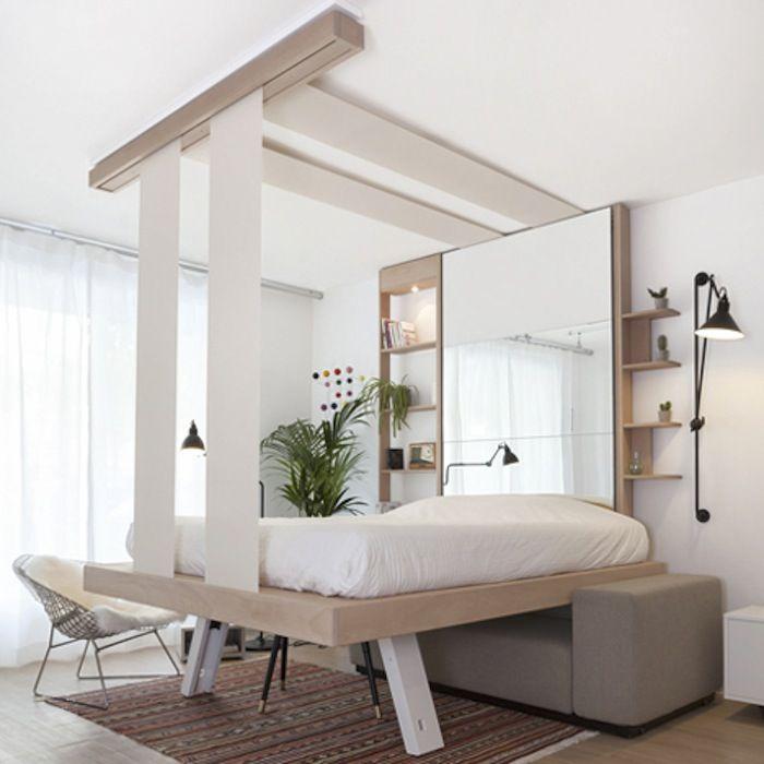 天井からベッドをするりと下ろして ぐっすり眠ろう 省スペースの