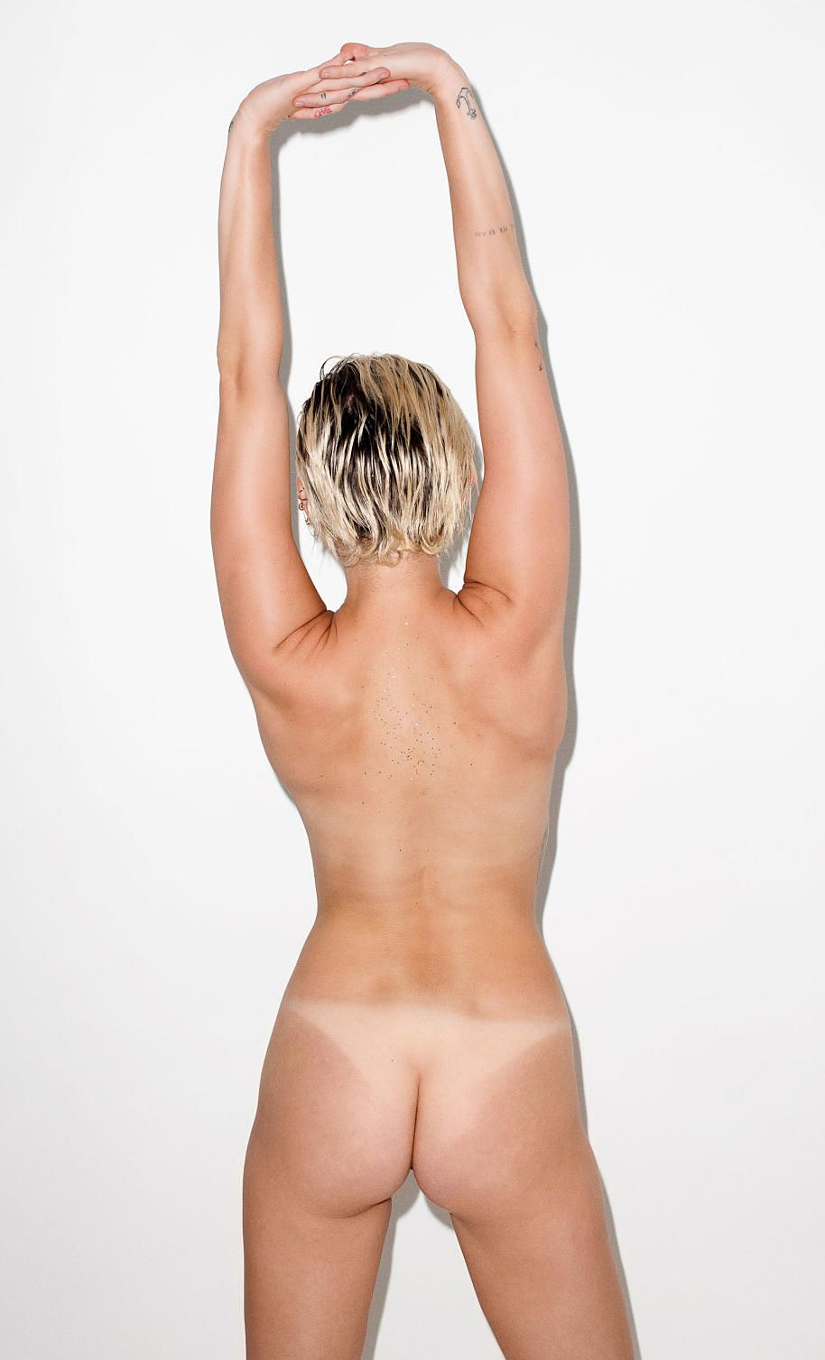 Miley Cyrus Nude Pics Uncensored
