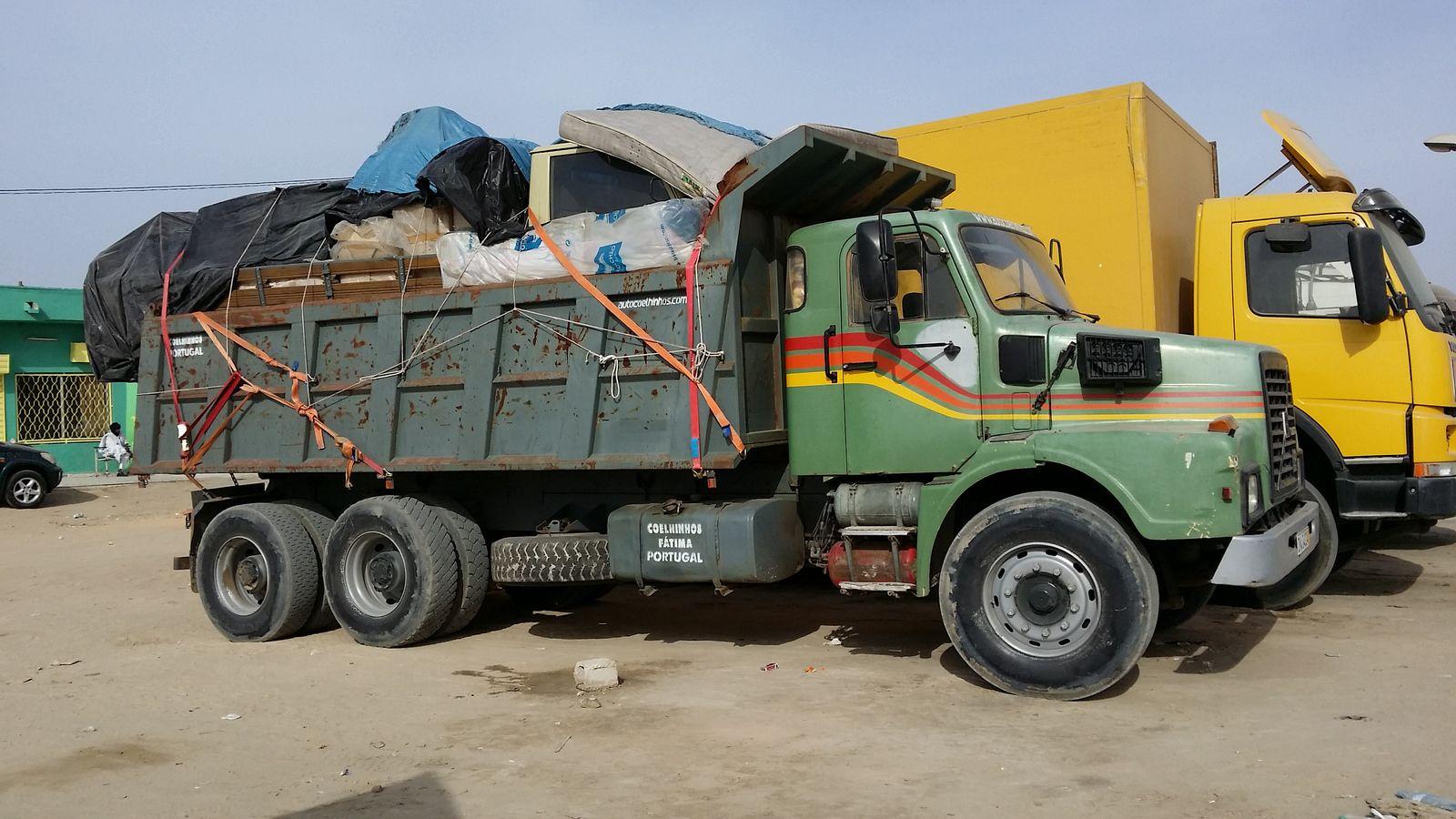 Baumaschinenbilder.de - Forum | Lastwagen aus aller Welt | Lastwagen in Afrika