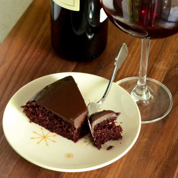 Combine two decadent flavors — dark chocolate and red wine — into one irresistibly rich dark chocolate red wine cake topped with creamy ganache.