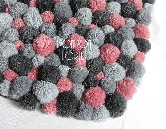bedroom area rug pom pom rug pink gray bedroom by pompommyworld diy pinterest teppiche. Black Bedroom Furniture Sets. Home Design Ideas