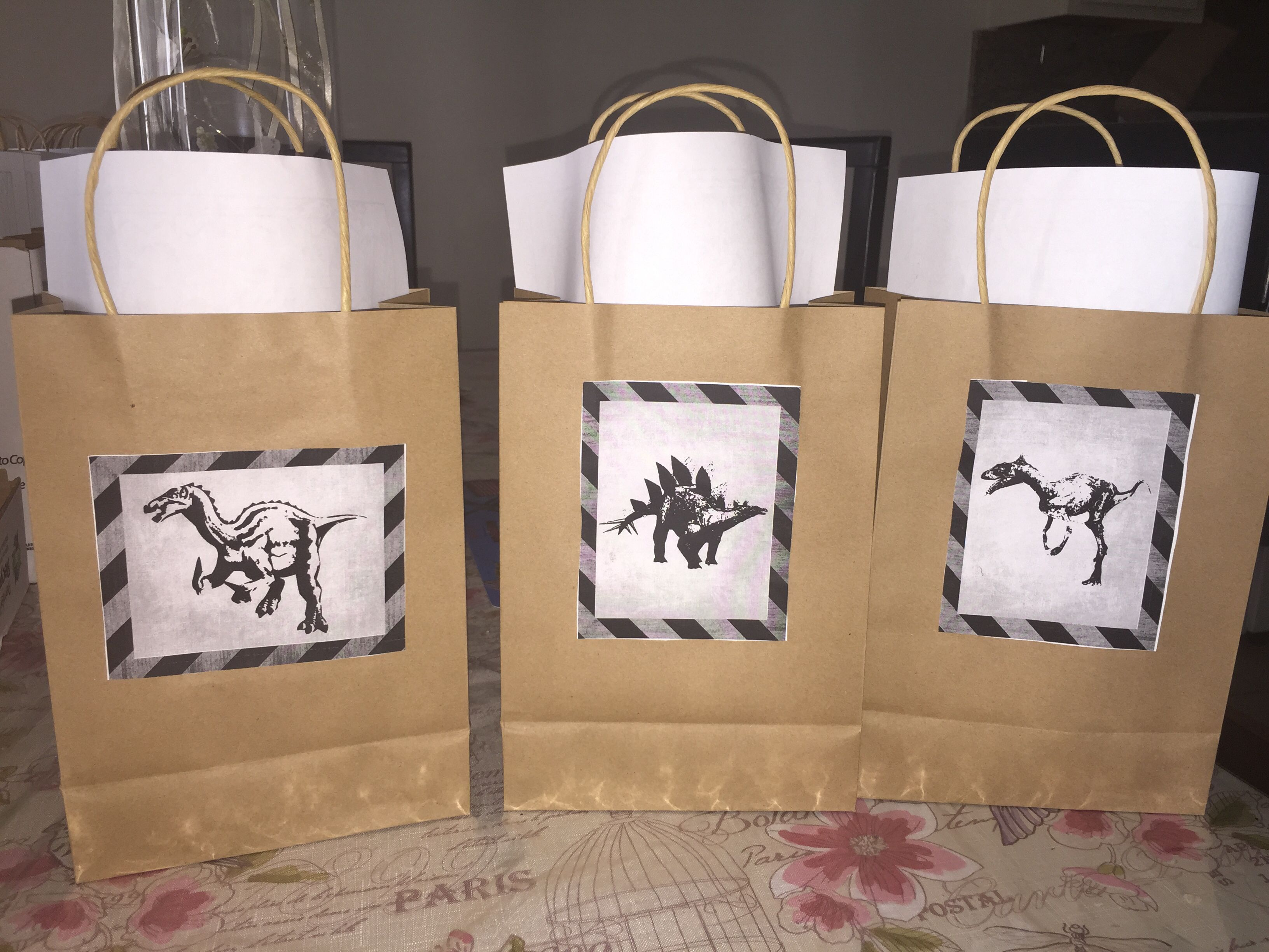 Coloring jurassic world dinosaurs coloring pages on car coloring - Jurassic World Theme Party Favors Brown Paper Gift Bags Dinosaur Toys Lego Jurassic