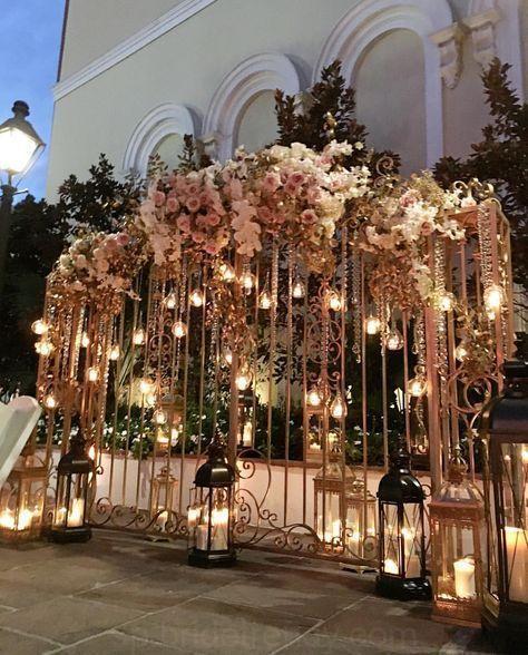 40 Increibles De La Boda Decoracion De Navidad De La Atmosfera Wedding Decorations Ceremony Backdrop Wedding Entrance