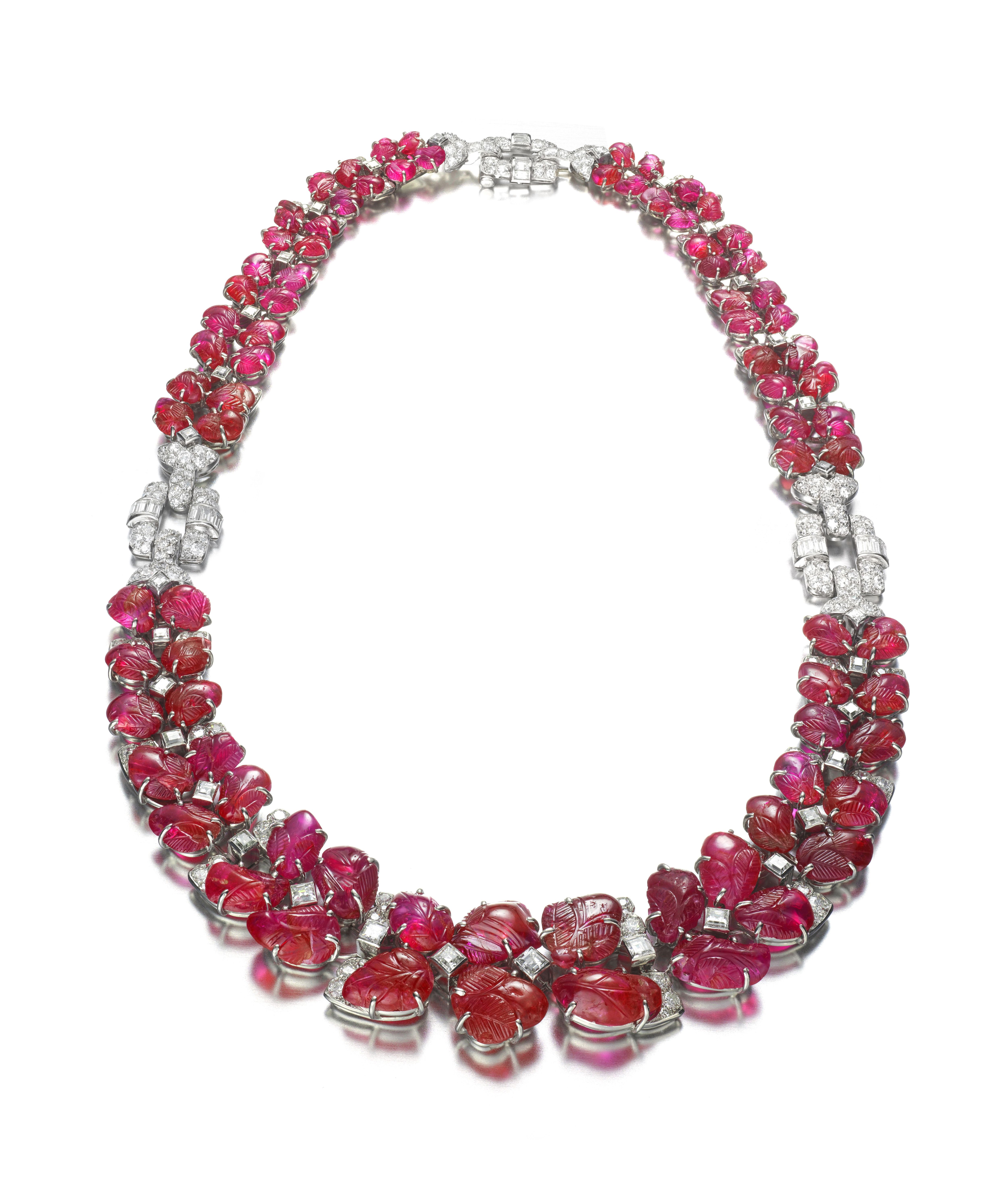 284fbebb862bf This Blockbuster Exhibit Features 56 Pieces of Art Deco Jewelry ...