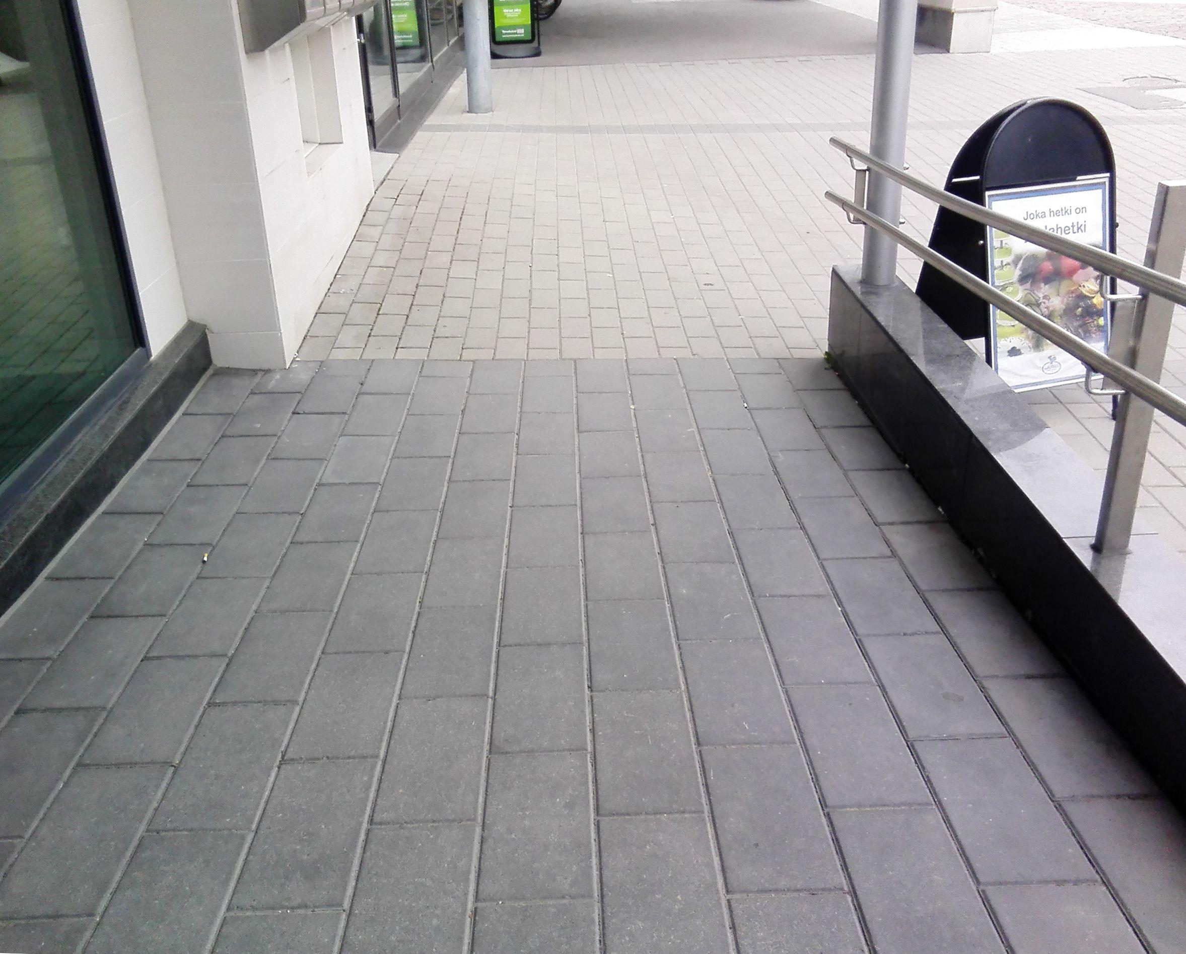 Käytävän lattia