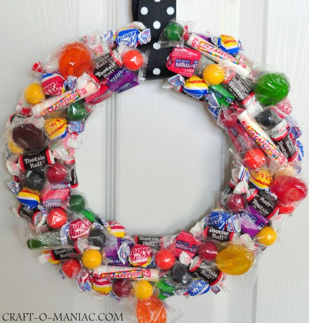 im thinking take this idea and make a foam based treat tree instead diy halloween decor diy halloween crafts diy halloween trick or treat candy wreath - Halloween Candy Wreath