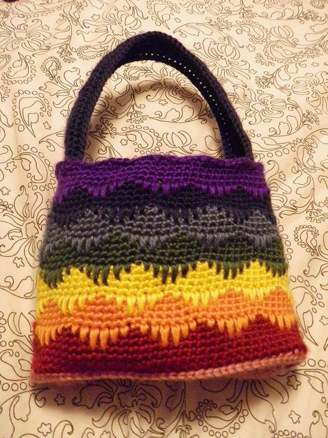 Rainbow Spikes Handbag: free pattern | bags,purses,cluths ...