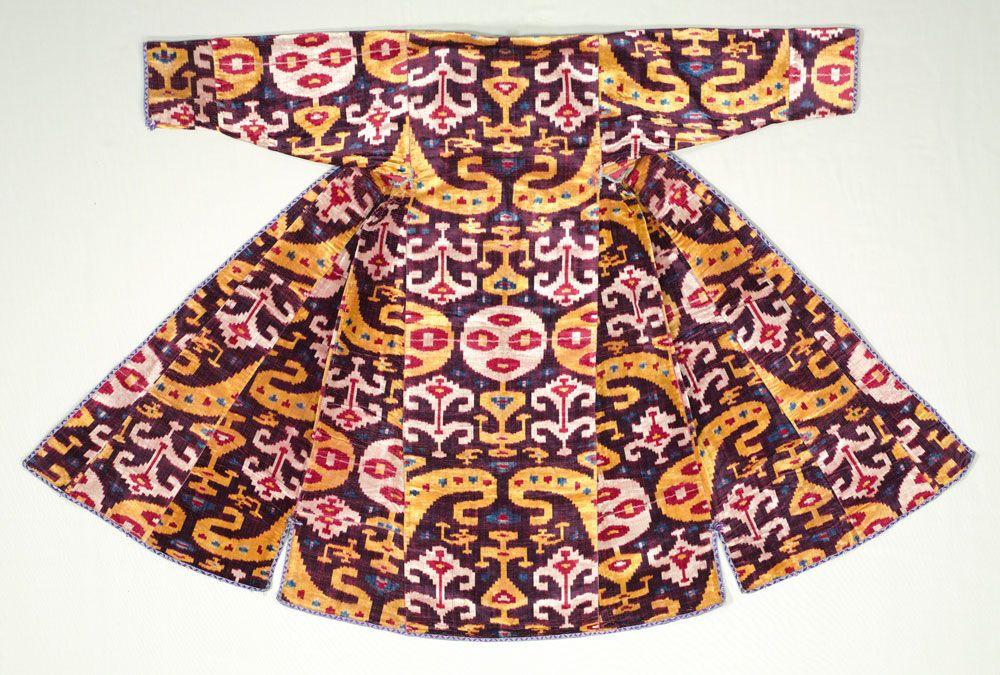 * Silk velvet ikat woman's robe, munisak, Bukhara, Uzbekistan, 1850–75. Silk; ikat-velvet;  The Cleveland Museum of Art,