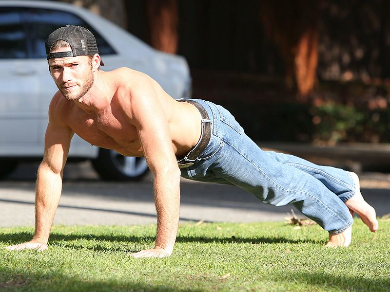 Scott Eastwood: Clint Eastwood's Son Works Out Shirtless