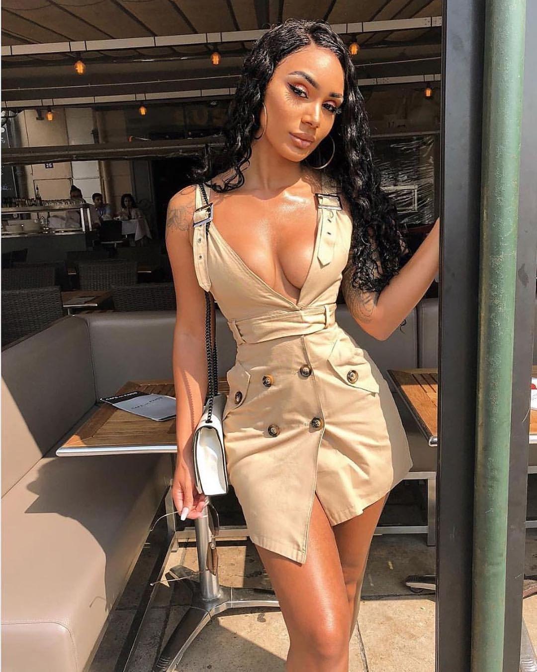 When your outfit is Yaaas girls thats our Dora Dress heysandra.ae   sandra  heysandra  dubai  dubaigirls  dubaitag  dubailife  dubaistyle  dubailifestyle  dubaifashioninsta  dubaifashion  dubaibeauty  mydubai  fashion  dxb  fashionblog  fashionblogger  instafashion  fashionable  style  styleblog