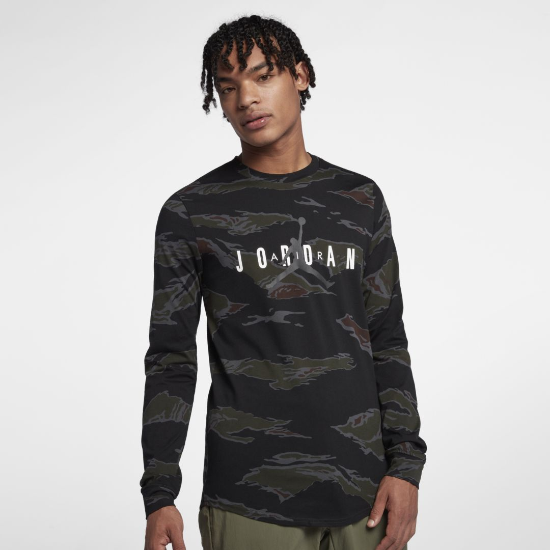 4ad71fc947e8 Jordan Sportswear Tech Men s Graphic Long-Sleeve T-Shirt Size 2XL (Dark  Smoke Grey)