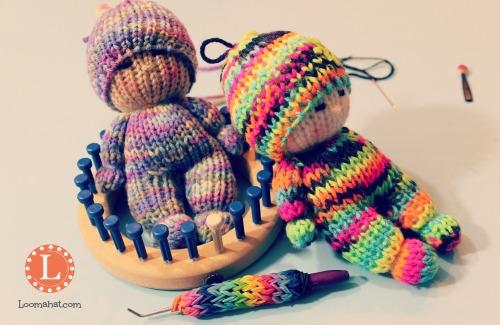 Loom Knit Tiny Dolls Video - LoomaHat.com, #Dolls #Knit #loom
