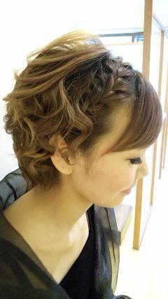 ショートのオシャレ女子の為の結婚式向けヘアアレンジ集♡|MERY