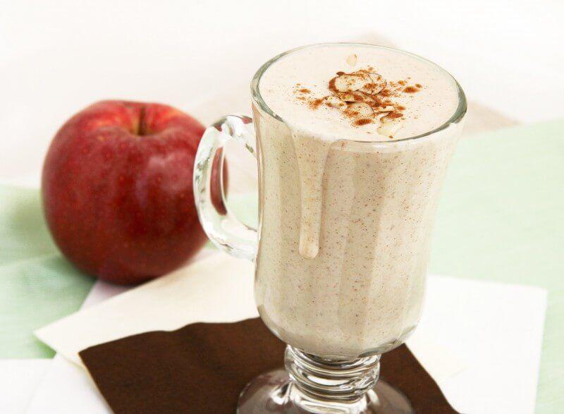 Batido de manzana leche y canela para adelgazar