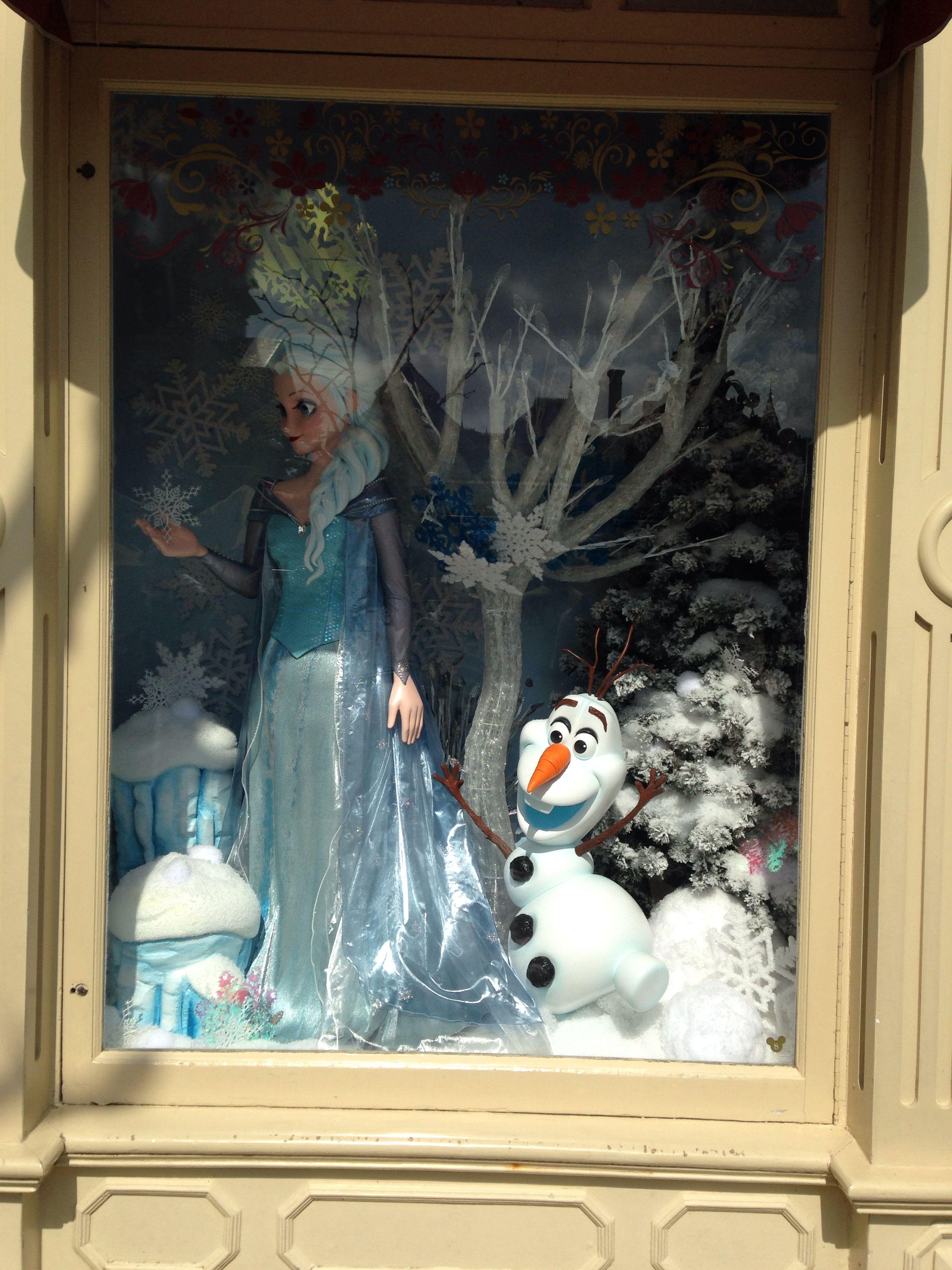 Pen Elsa Portrait Disneyland Paris