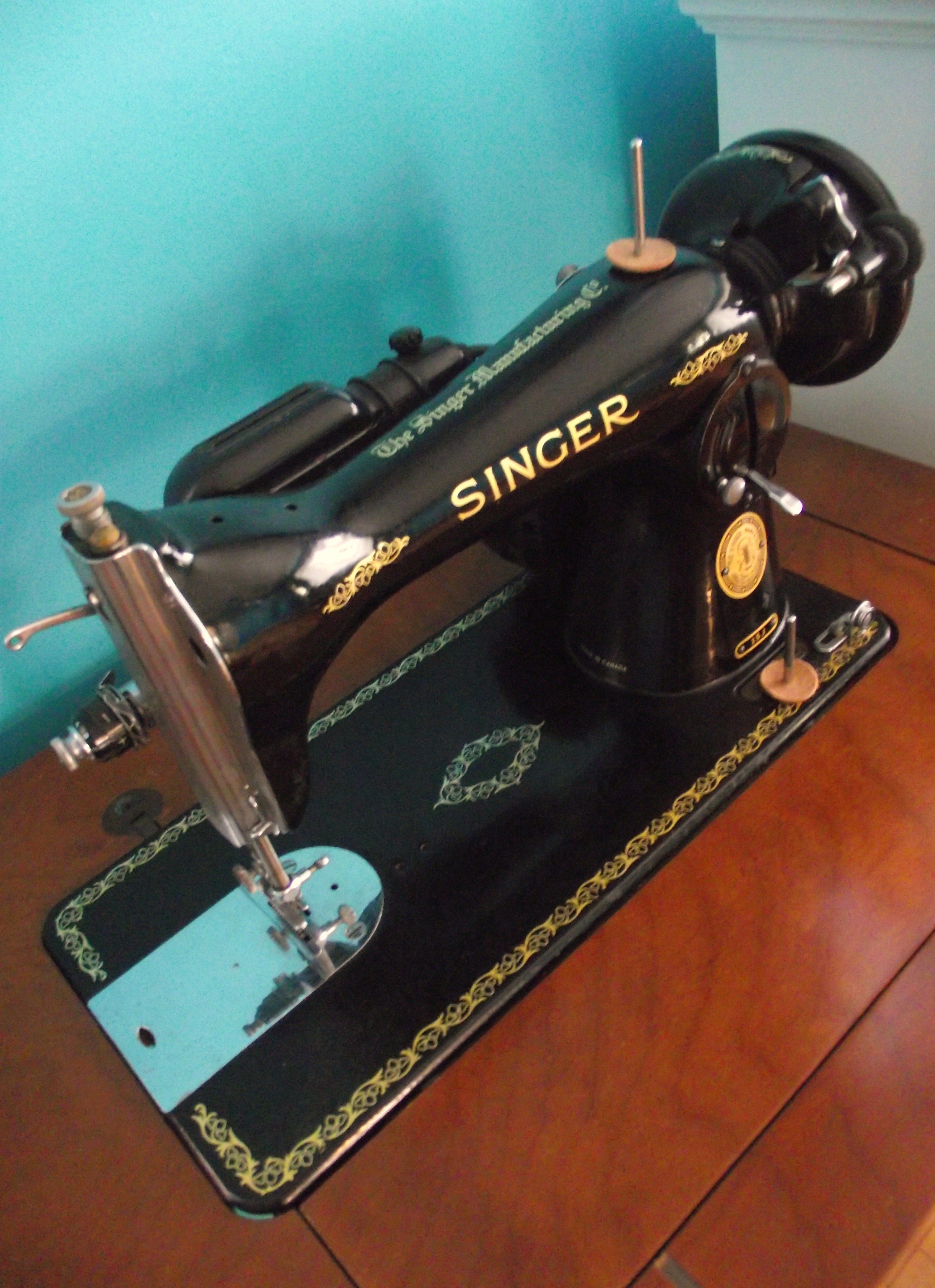 1948 Singer Sewing Machine Exactly What I Was Just Given Beautiful Vintage Threading Guides Stitch Nerd Now To Learn Sew Hahaha