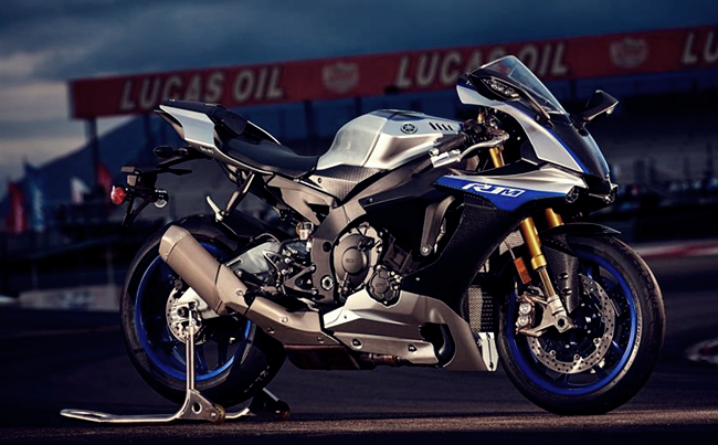 2018 yamaha yzf r1 review yamaha yzf r1m is a restricted version race and track bicycle. Black Bedroom Furniture Sets. Home Design Ideas