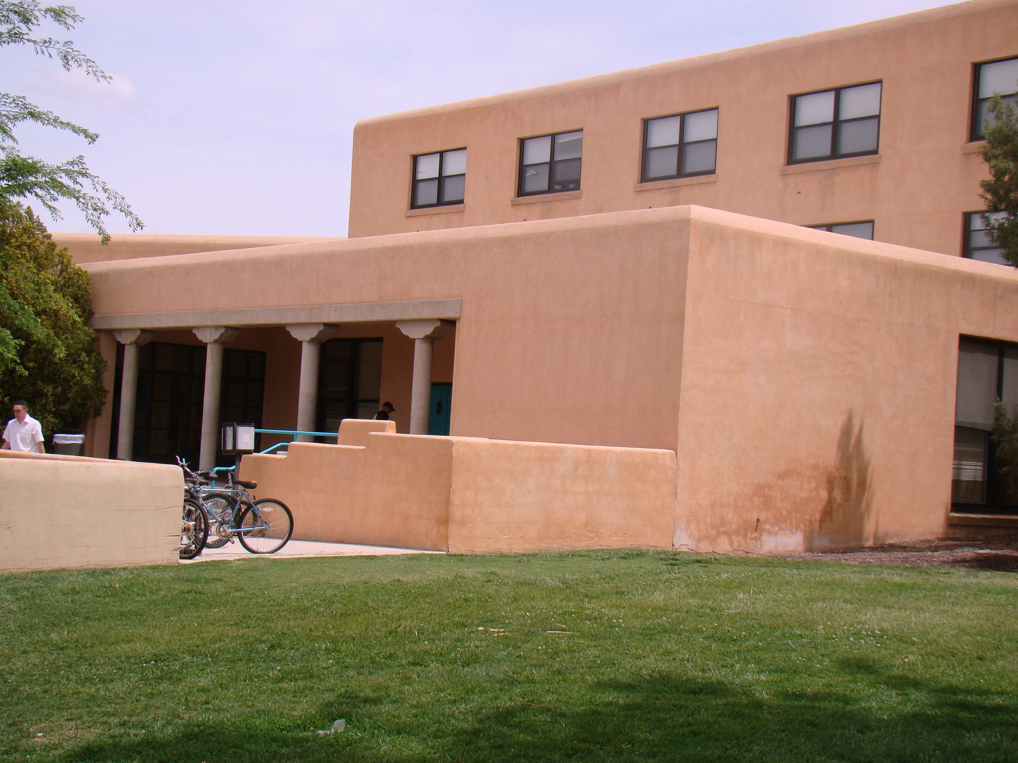 One Of Unm S Largest Residence Halls And Most Popular Housing