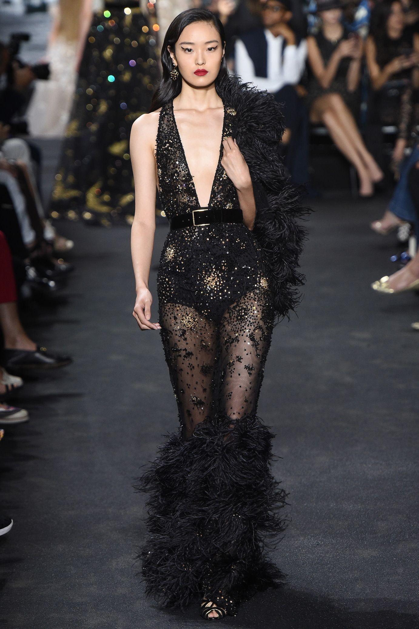 0f4989cb5d81b Défilé Elie Saab Haute Couture automne-hiver 2016-2017 - catwalk - runway -  model - fashion