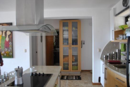 #CARABALLEDA Posee Cocina Empotrada con Pantry y Aire acondicionado. Contacto: Info@micasa.com.ve