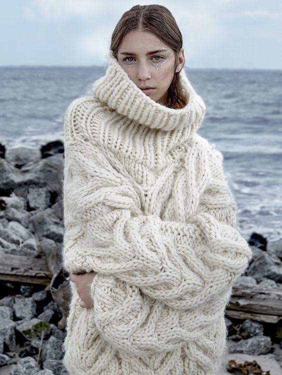 528d01a61 Gros pull en laine torsadé, oversize et col montant | Tricot // Knit ...
