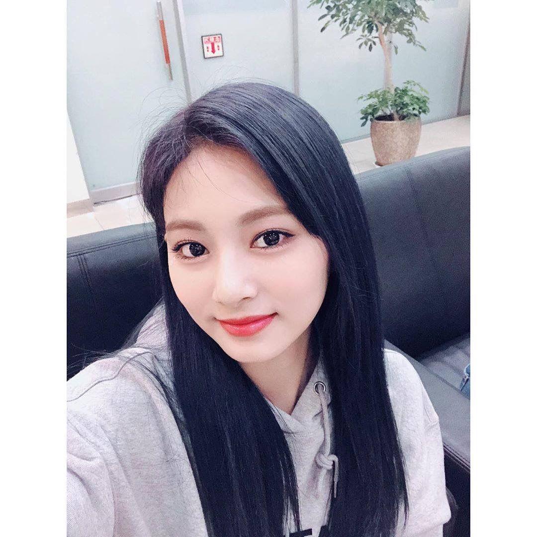 Pin by Vy on Twice | Nayeon, Kpop girls, Nayeon twice